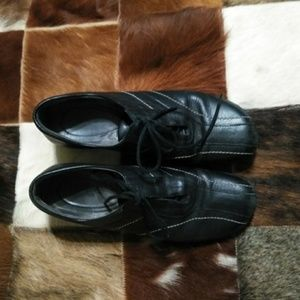 Naturalizer lace up leather black shoes si…